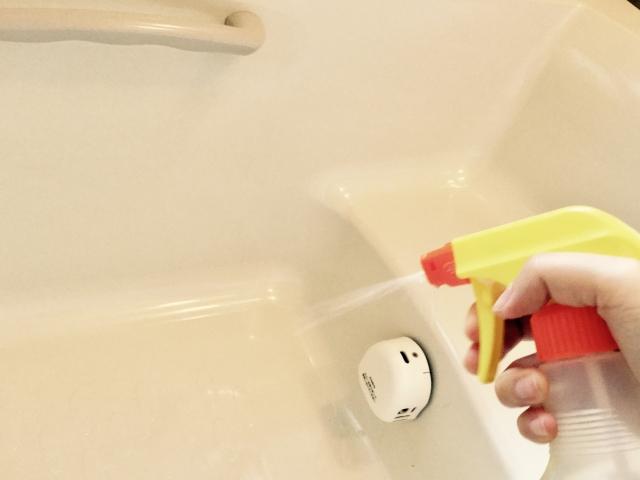 お風呂場と洗剤