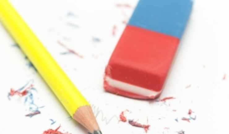 消しゴムと鉛筆