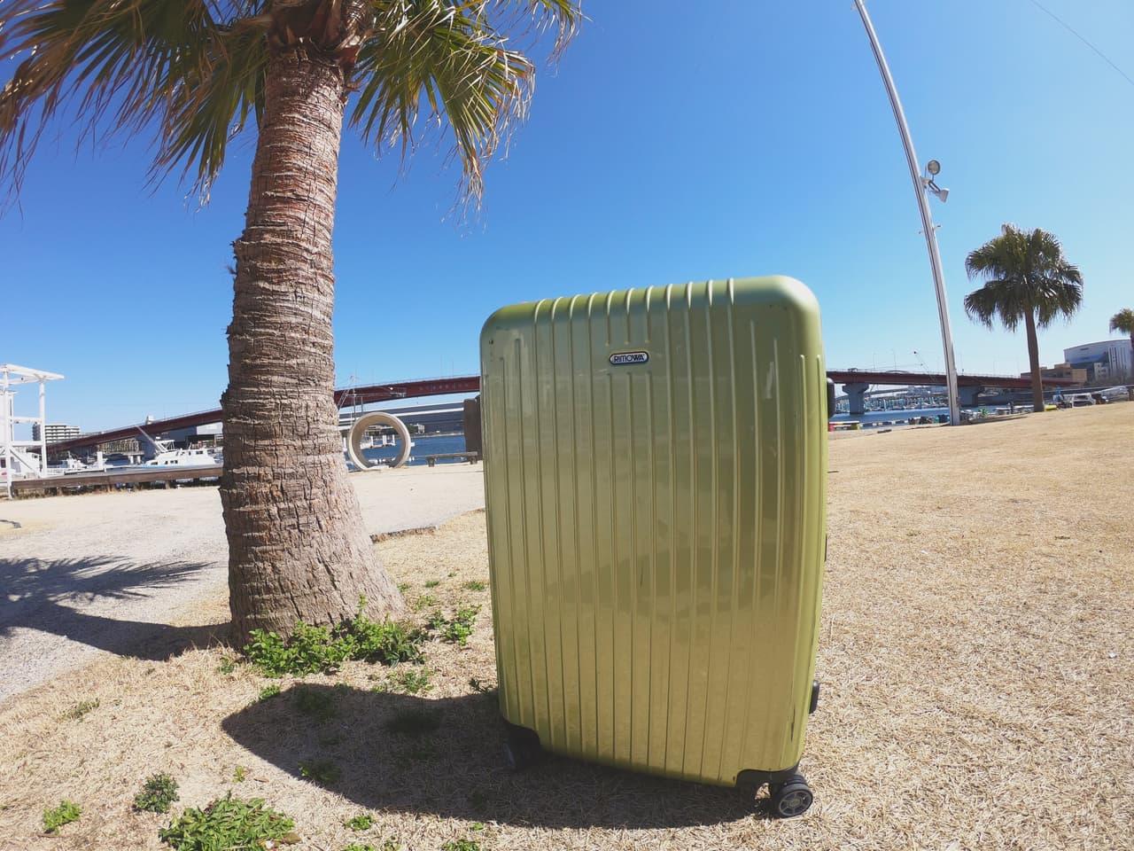 インフルエンサースーツケース
