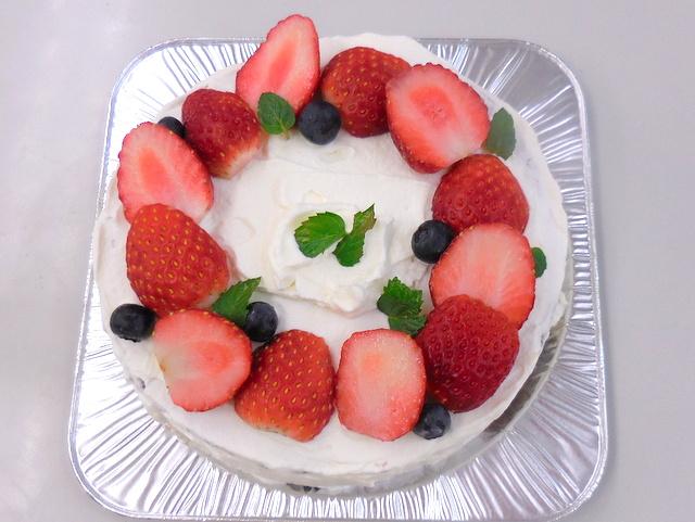 ホットケーキミックスで作ったショートケーキ