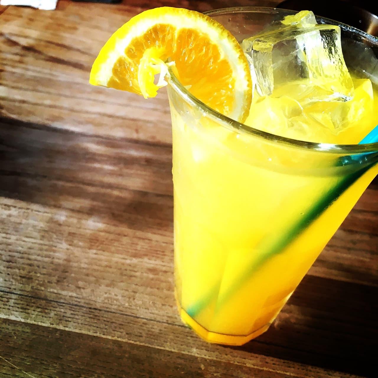 オレンジジュース グラス