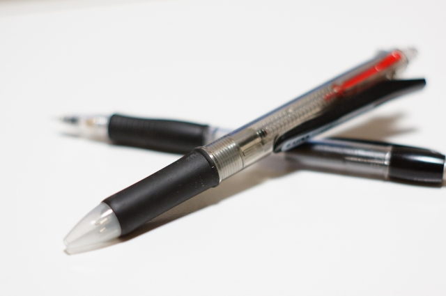 ボールペンとシャーペン