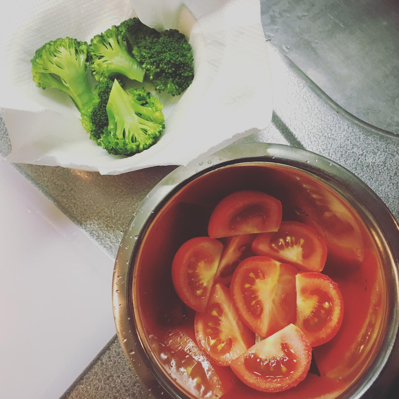 野菜 トマト サラダ キッチンペーパー