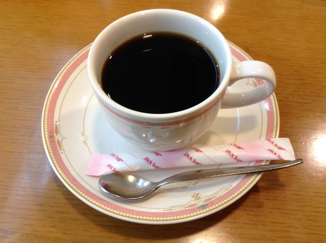 コーヒーとスティックシュガー