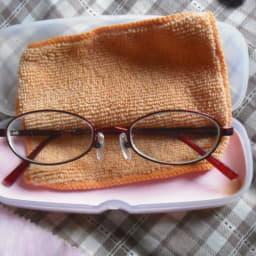 メガネとメガネ拭き