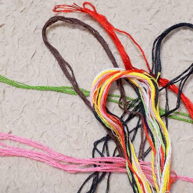 刺繍糸いろいろ