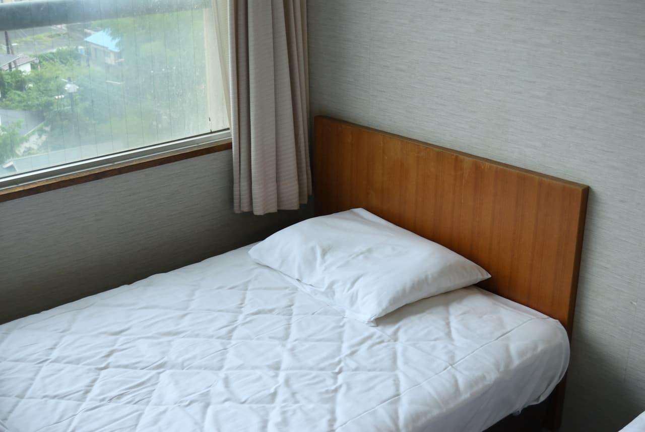 ベッドマットレスと枕