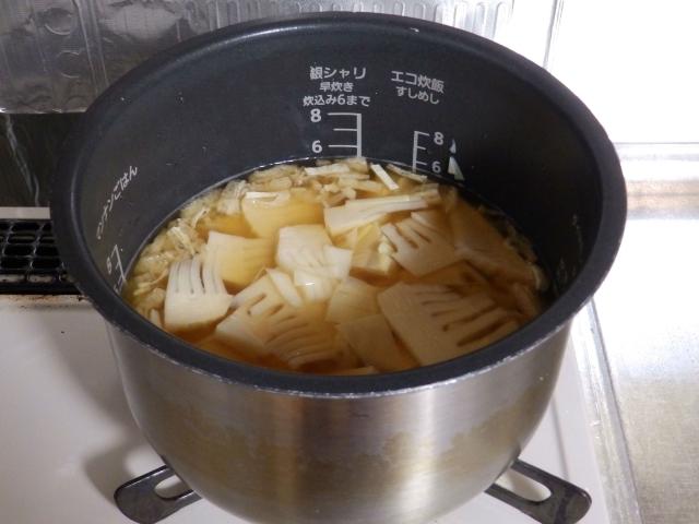 ガス釜で炊き込みご飯