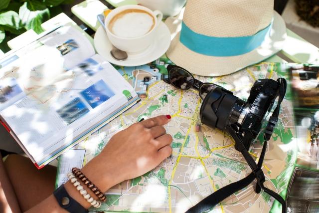 地図やガイドブック