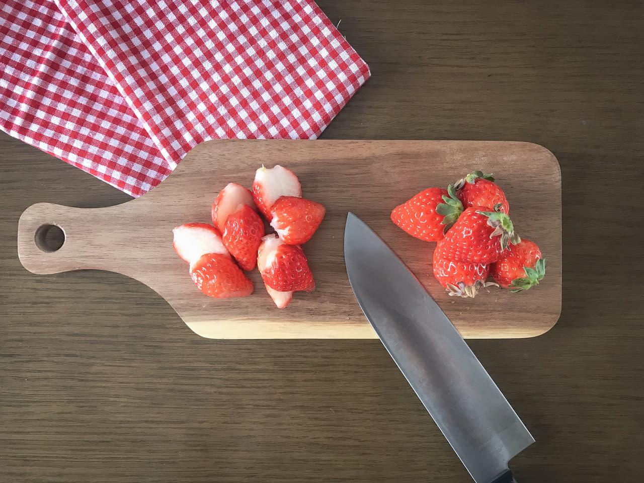 イチゴと包丁