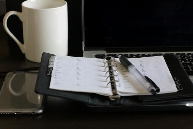 システム手帳とパソコン