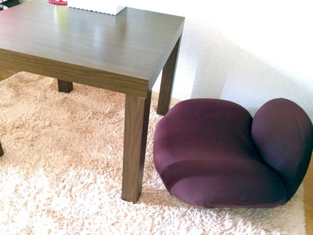 座椅子と机