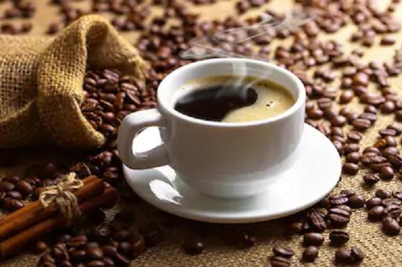 ブラックコーヒーとコーヒー豆