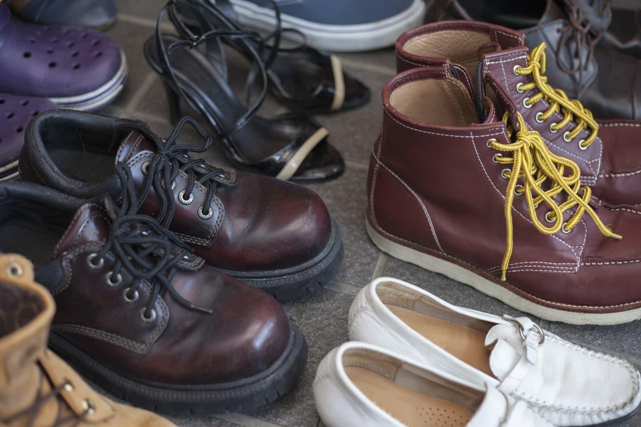 複数の革靴