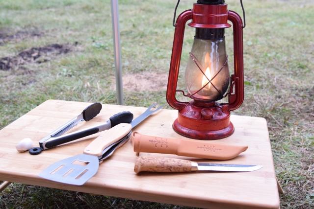 ランタンとキャンプ道具