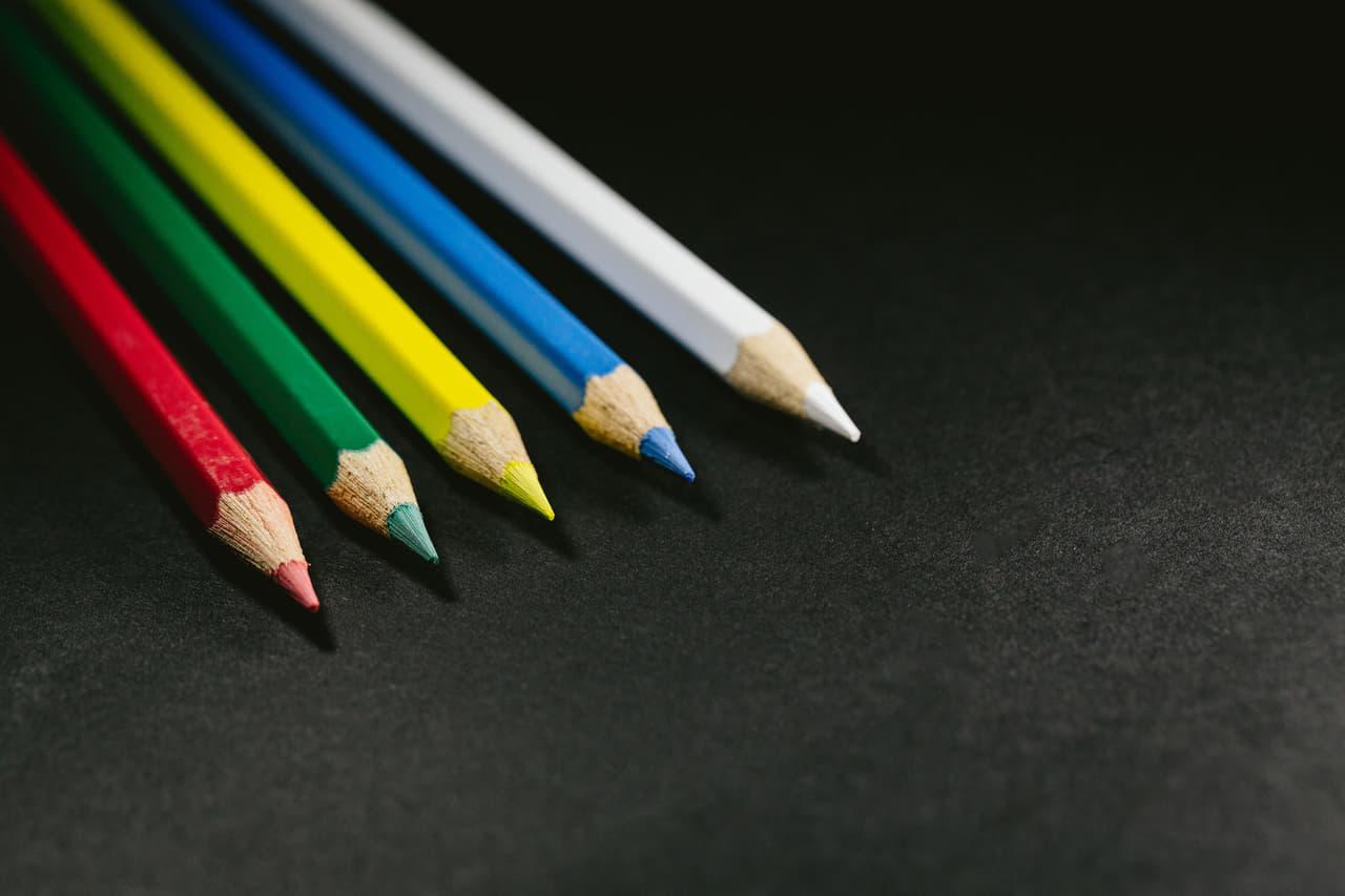 カラフルな鉛筆な画像