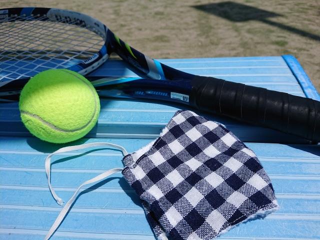 テニスとマスク